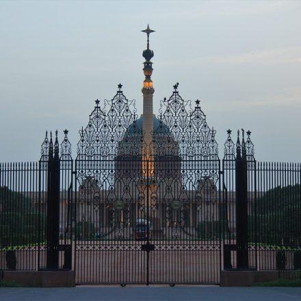 Na Índia, Covid-19 chega ao palácio presidencial
