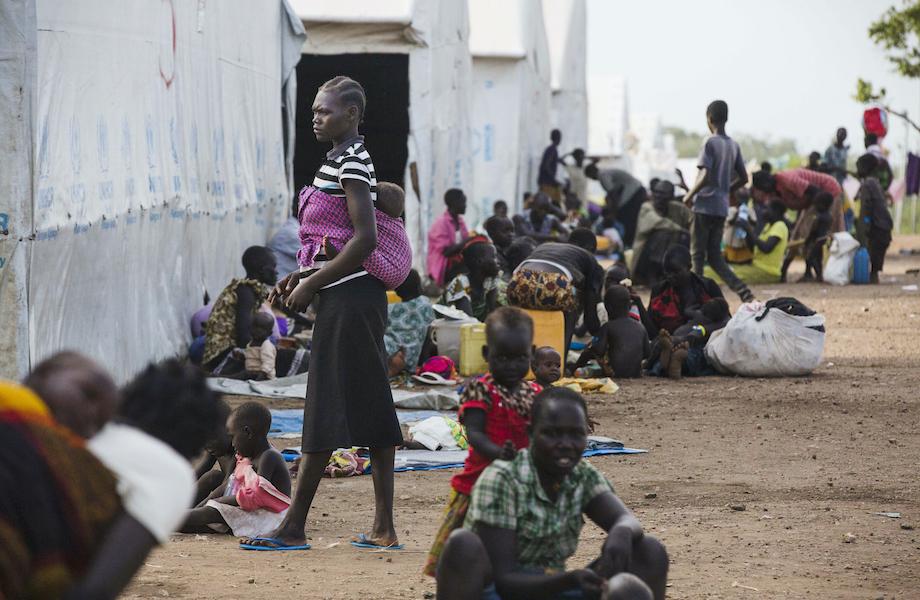 Sem proteção, refugiados estão presos nas fronteiras de países da África