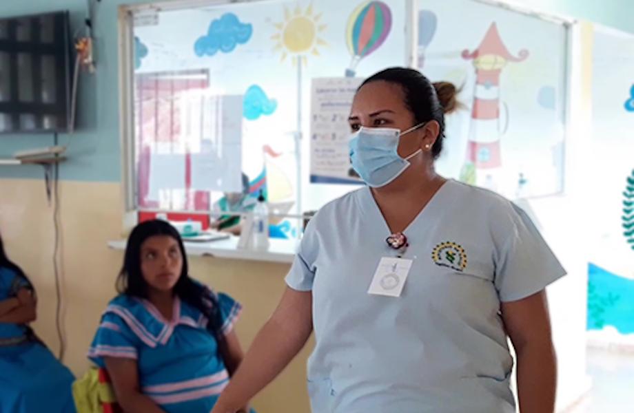 Mulheres indígenas grávidas sofrem com falta de transporte no Panamá