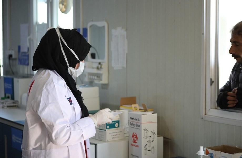 Ao menos US$ 1,1 bi para combate à pandemia foram desviados, diz pesquisa