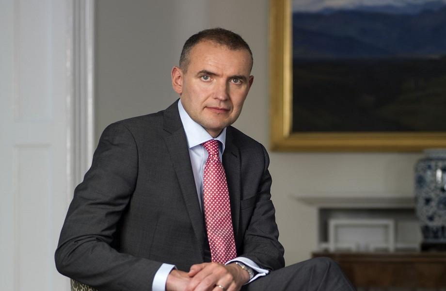 Presidente da Islândia derrota candidato da direita populista e leva 92% dos votos