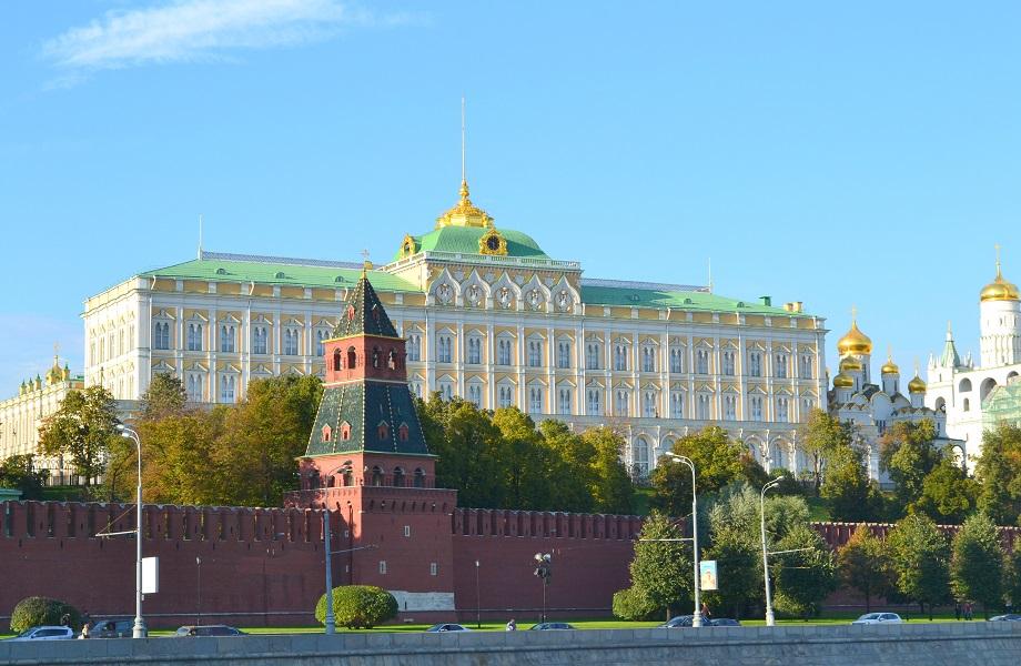 Russa que ficou milionária seria mãe de filha ilegítima de Putin, diz portal