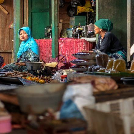 Com pandemia, economia da Indonésia encolhe pela primeira vez em 20 anos