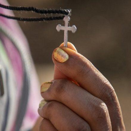 Sobrevivente eriteia relata abusos que sofreu por contrabandistas na Líbia