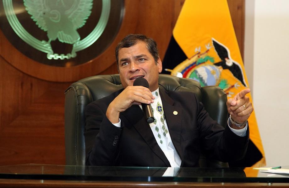 Ex-presidente do Equador, Correa atuava em grupo de suborno, conclui inquérito
