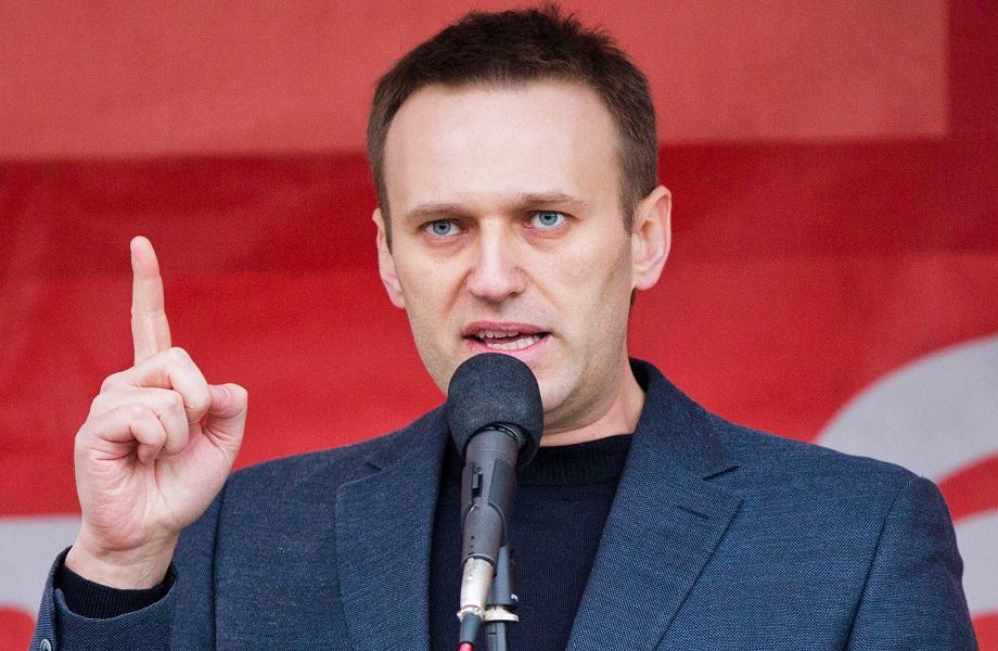 Em entrevista, Navalny relata envenenamento e diz que quer voltar à Rússia
