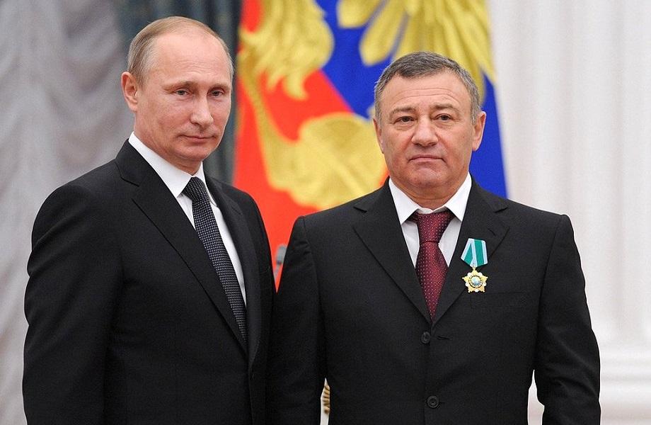 Parceiro de Putin movimentou US$ 60 milhões ilícitos no Barclays