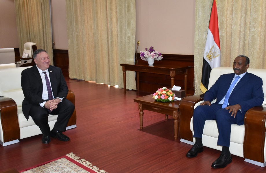 Sudão deixará lista de terrorismo se pagar indenização a vítimas, diz Trump