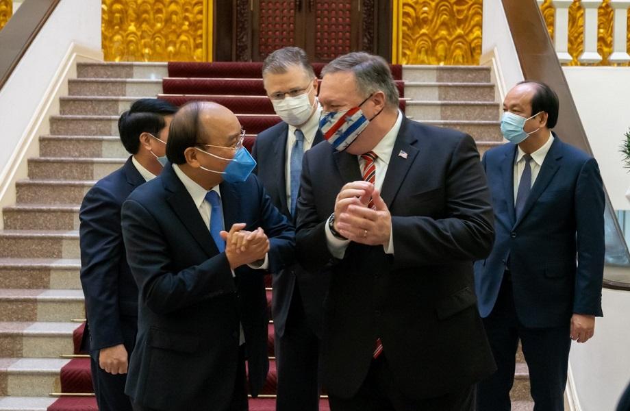Em tour asiático, EUA tenta aproximação e é correspondido por Vietnã