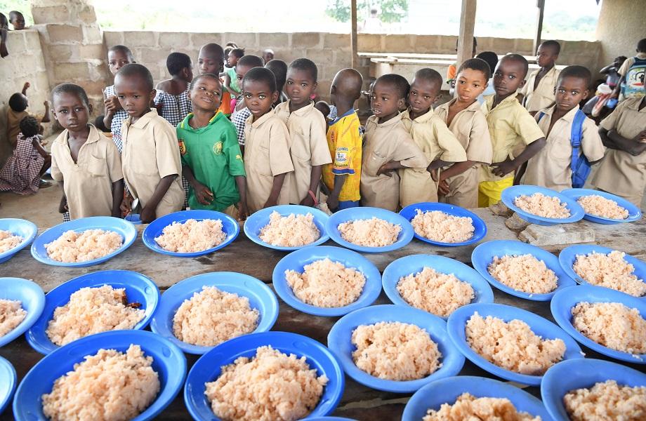 Programa Mundial de Alimentos leva Nobel da Paz após 58 anos de combate à fome