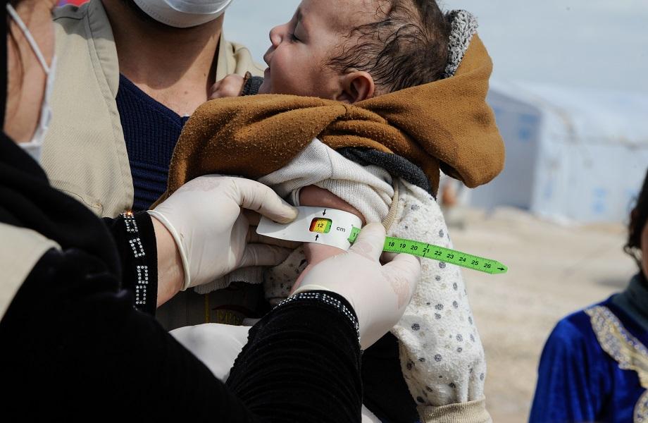 Mais de 4,6 milhões de crianças passam fome na Síria, diz ONG