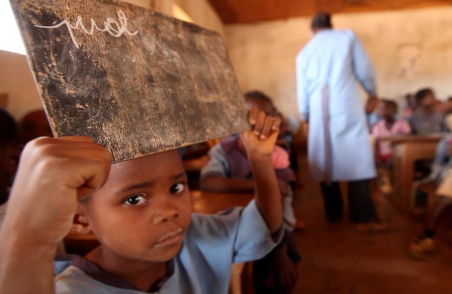 Em Camarões, escolas em áreas de conflito são abandonadas após ataques rebeldes