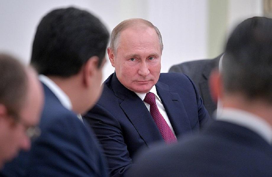 Derrota de candidato do Kremlin não deve cessar influência da Rússia na Moldávia