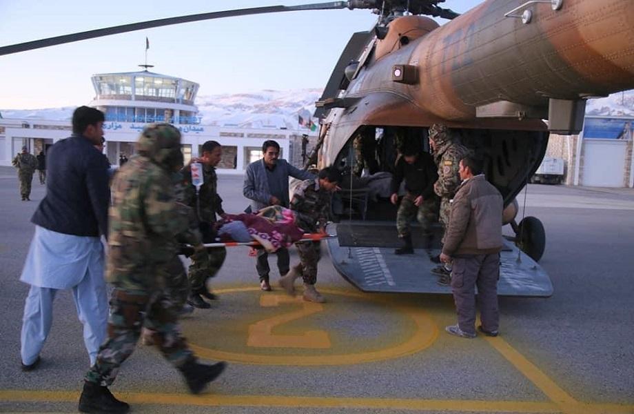 Em meio a tratativa de paz, explosão deixa 14 mortos e põe ajuda a afegãos em risco