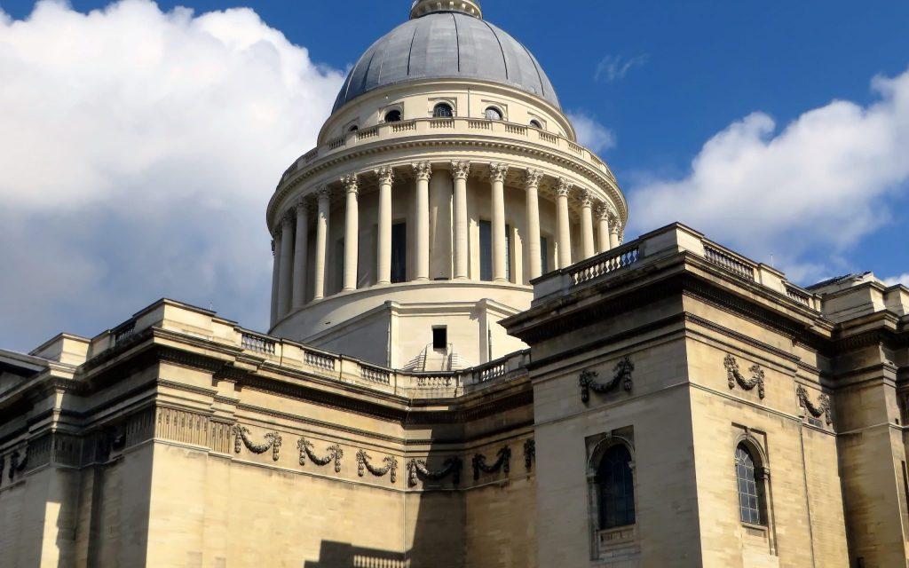 Os desafios do secularismo francês junto à população muçulmana