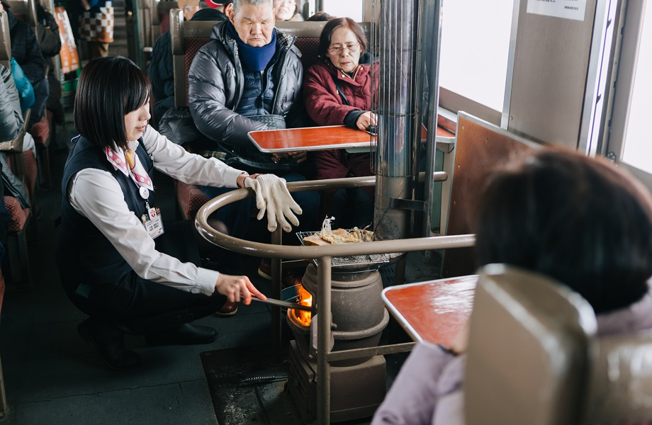 No Japão, Suga dobra estímulo ao turismo com pacote de US$ 700 bilhões
