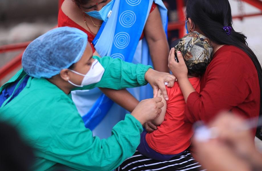 ONU: Iniciativa da OMS fecha acordo para 2 bilhões de vacinas contra Covid-19