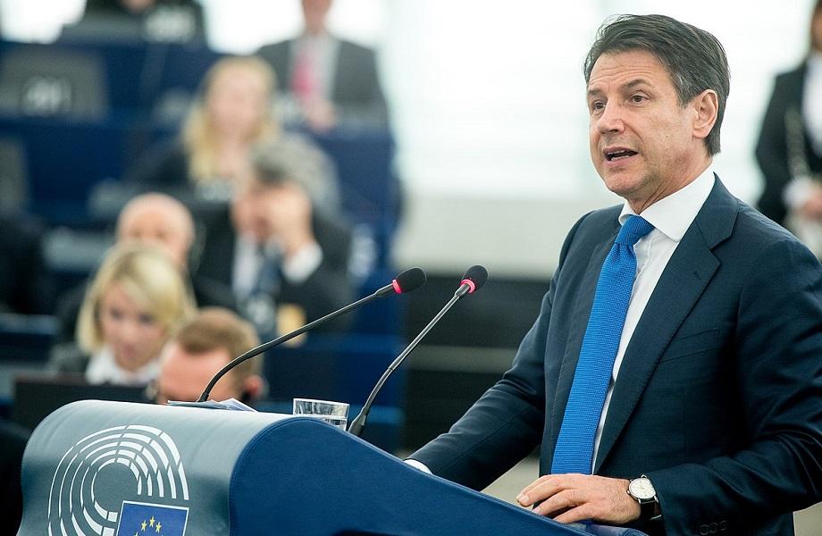 Em briga por governo, premiê da Itália apela a centristas e independentes