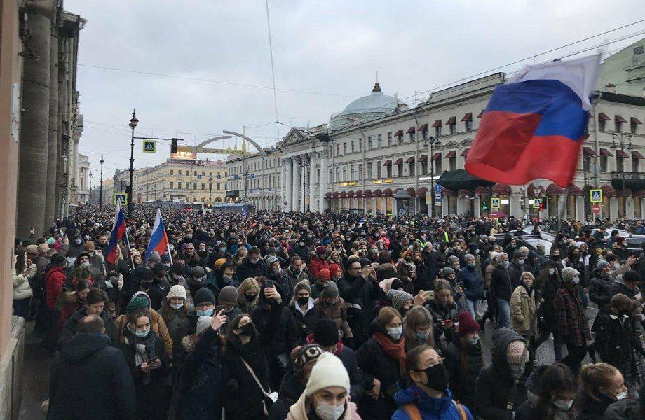 Esposa e porta-voz de Navalny estão entre os 3,7 mil presos em protestos na Rússia