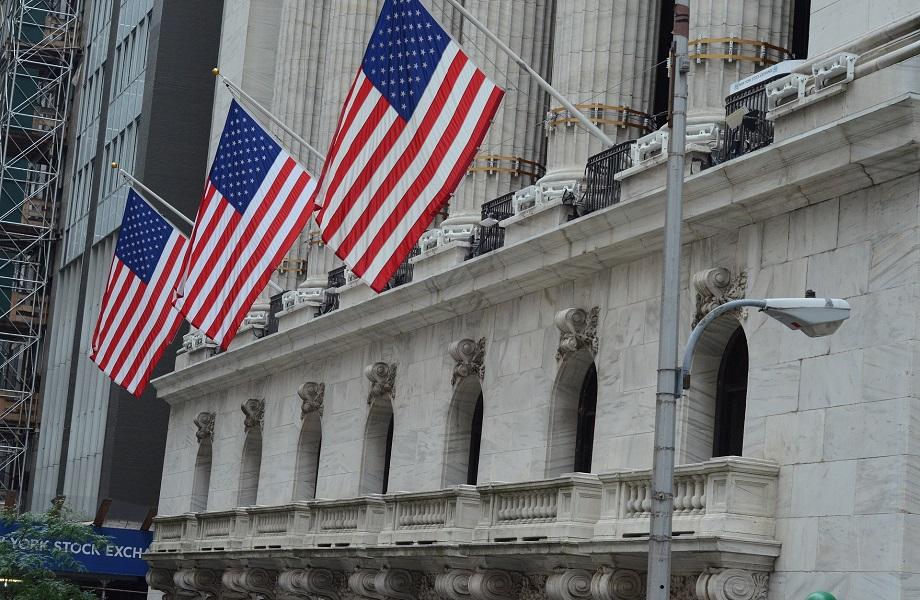 Bolsa de Nova York volta atrás e cancela deslistagem de empresas chinesas
