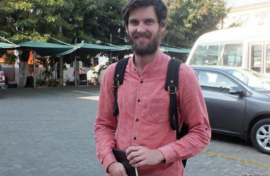 Moçambique expulsa e proíbe retorno de jornalista britânico a Cabo Delgado
