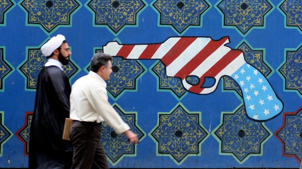 De aliados a rivais: a escalada de tensões entre EUA e Irã nos últimos 40 anos