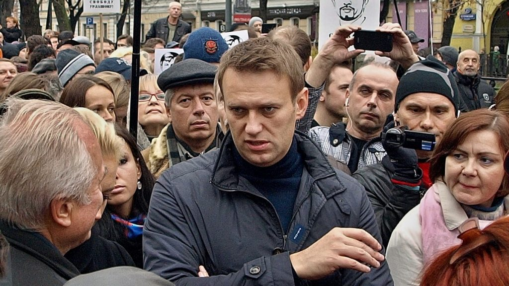 Em greve de fome, Navalny denuncia que guardas 'fritam frango' para desencorajá-lo