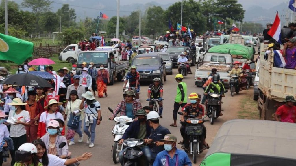 Em Mianmar, protestos reiniciam após acordo com Asean pelo fim da violência