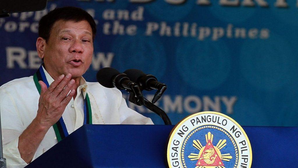 No Twitter, chanceler das Filipinas apela a discurso agressivo em mensagem à China