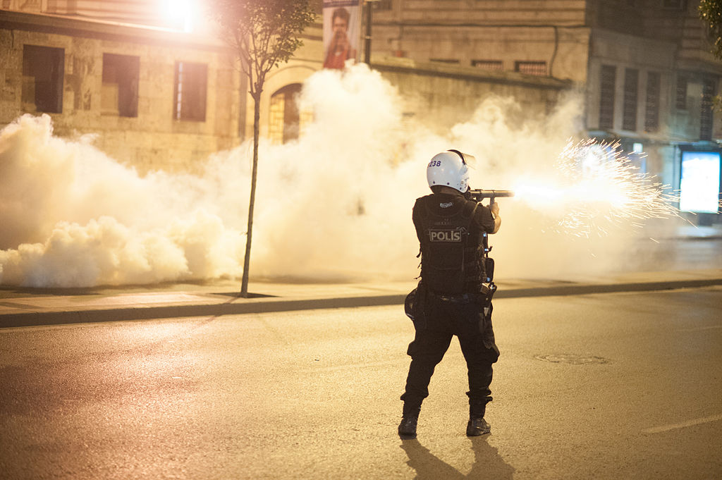 Polícia turca prende 10 suspeitos de ligação com o Estado Islâmico em Istambul