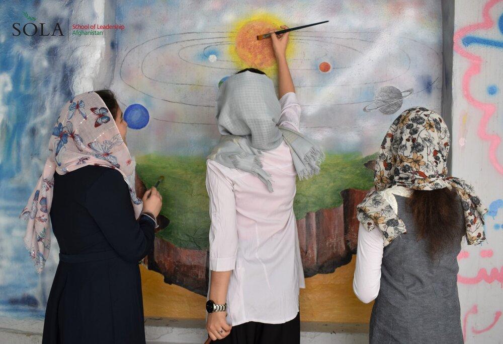 Adolescentes estão impedidas de estudar no Afeganistão sob o domínio do Taleban