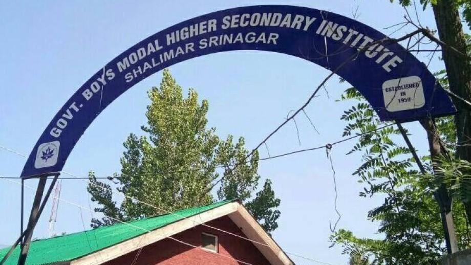 Rebeldes separatistas matam dois professores na região da Caxemira indiana